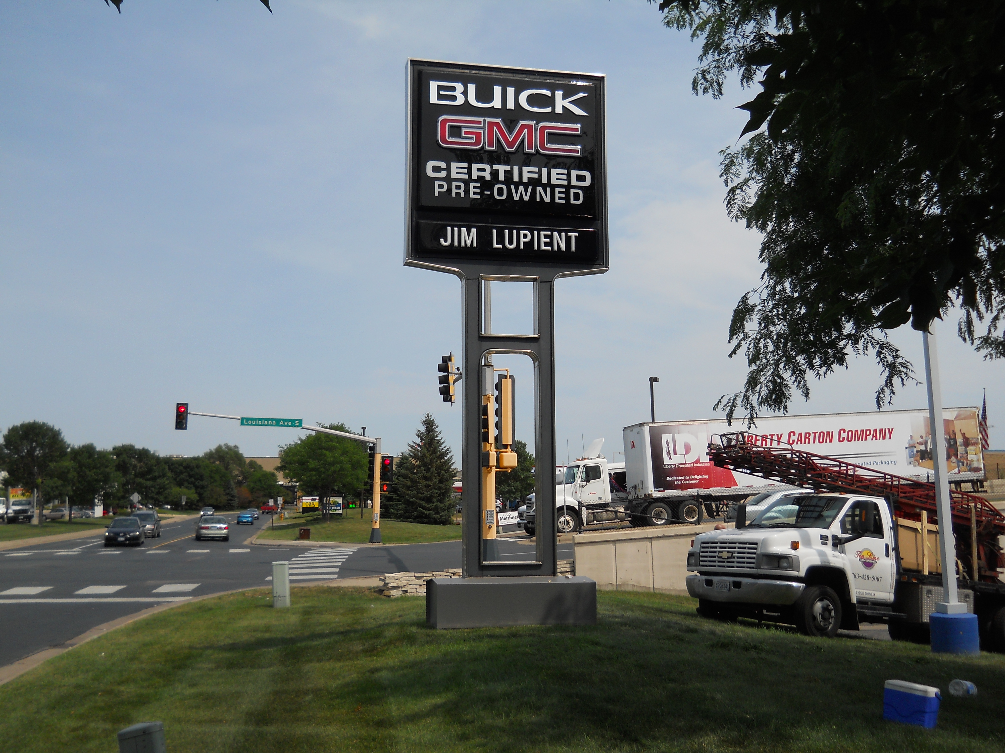 Jim Lupient Buick GMC Sign