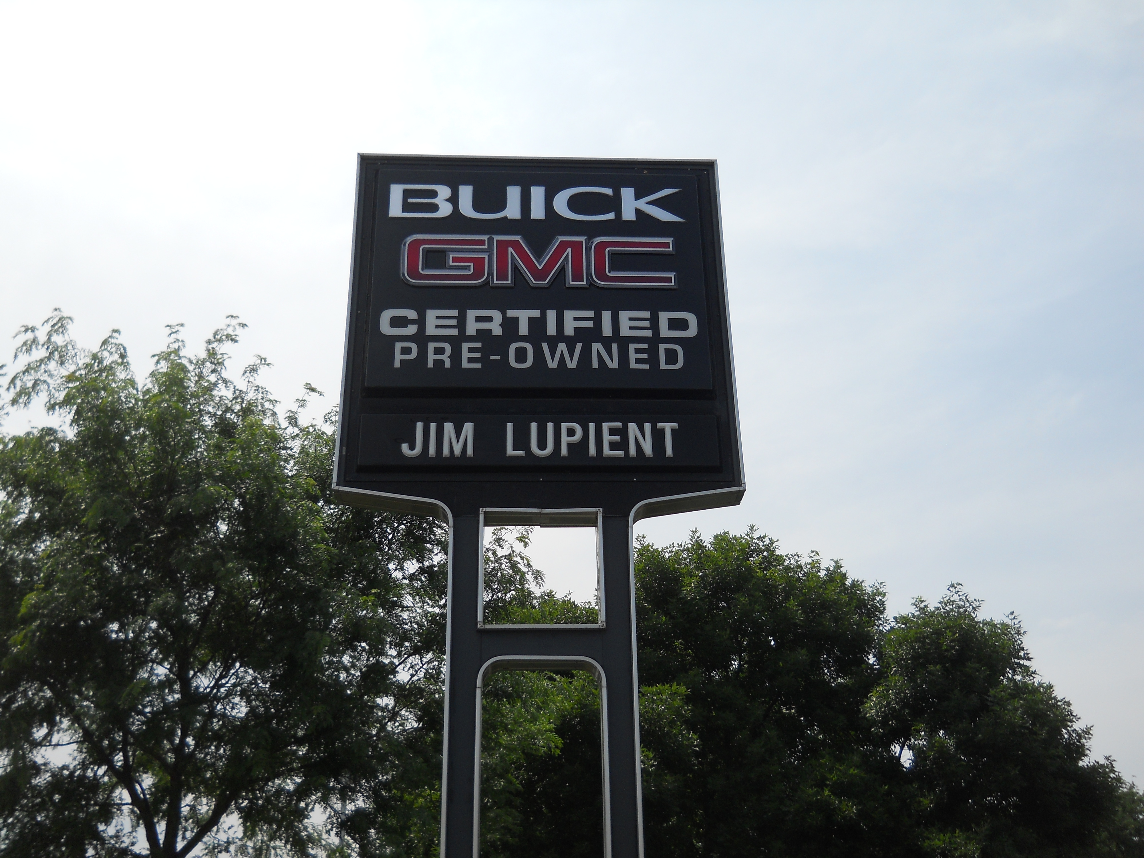 Close Up of Buick Sign